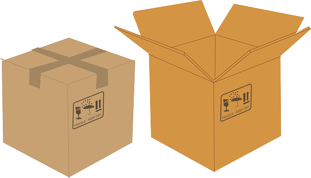 jedna otevřená a jedna zavřená papírová krabice.png
