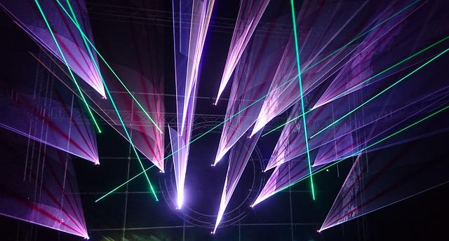 laser paprsky v aréně
